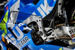 2019-Suzuzki-GSX-RR-MotoGP-bike-launch-19