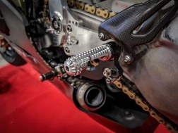 Ducati-Panigale-V4-RS19-Eugene-Laverty-Jerez-Steve-English-06