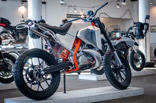 Moto-Mucci-KTM-300-XCW-street-tracker-02
