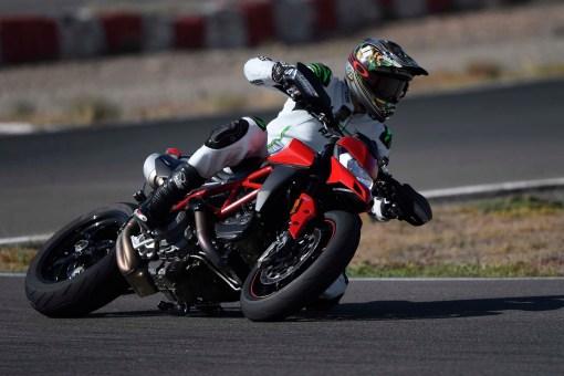Ruben-Xaus-Ducati-Hypermotard-950-slide-37