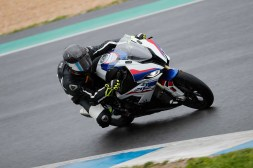 2019-BMW-S1000RR-Estoril-press-launch-23