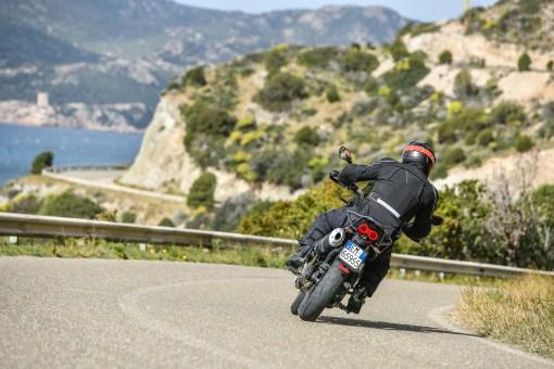 Moto-Guzzi-V85-TT-Sardinia-Jensen-Beeler-05