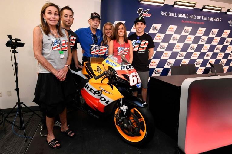 Nicky-Hayden-number-retirement-cota-motogp-15