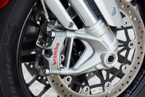 2020-Triumph-Rocket-3-GT-49