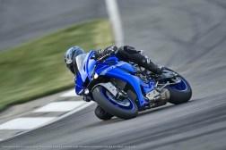 2020-Yamaha-YZF-R1-02