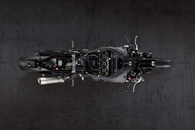 2020-Yamaha-YZF-R1-04