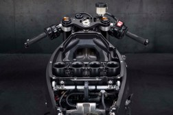 2020-Yamaha-YZF-R1-08