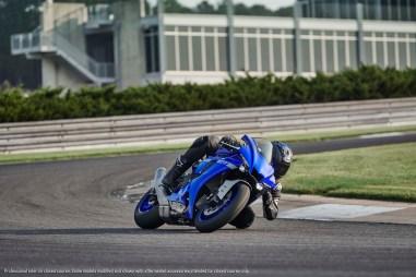2020-Yamaha-YZF-R1-27
