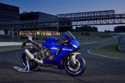 2020-Yamaha-YZF-R1-47