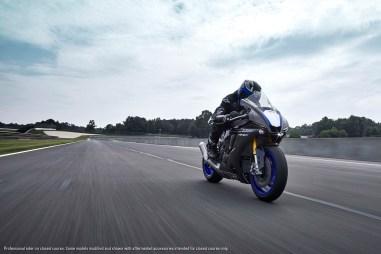 2020-Yamaha-YZF-R1M-42