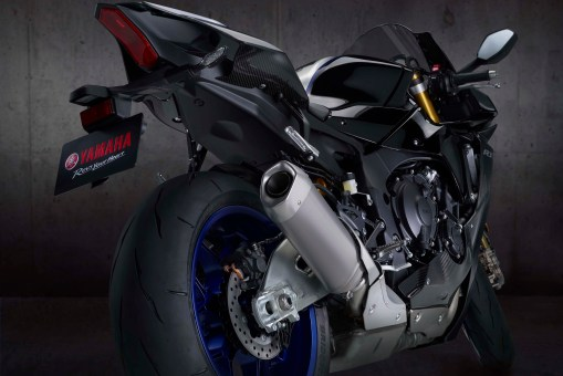 2020-Yamaha-YZF-R1M-44