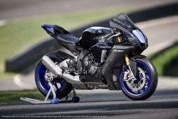 2020-Yamaha-YZF-R1M-58