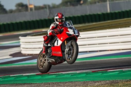 Ducati-Panigale-V4-25th-Anniversario-916-Laguna-Seca-01