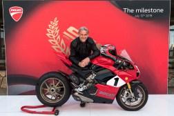 Ducati-Panigale-V4-25th-Anniversario-916-Laguna-Seca-09