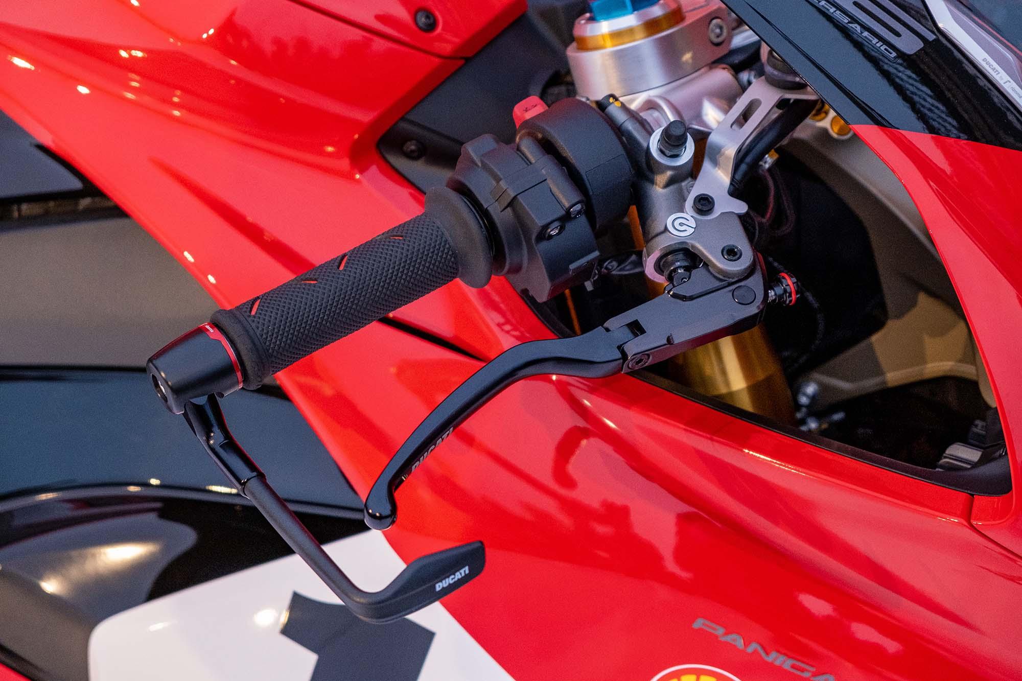 Ducati-Panigale-V4-25th-Anniversary-916-
