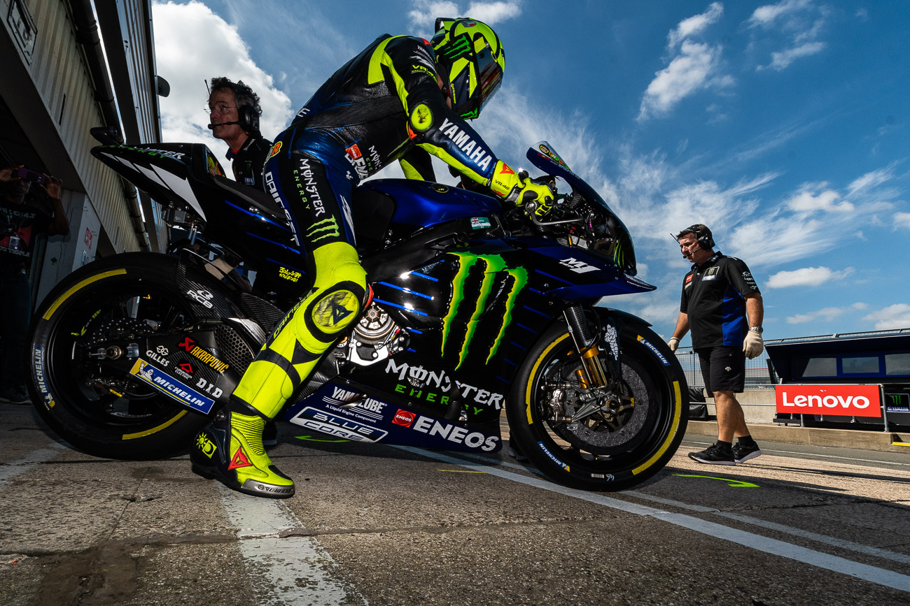 Valentino Rossi Will Announce Petronas Yamaha Deal At Jerez Asphalt Rubber