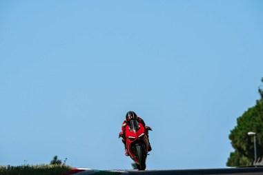 2020-Ducati-Panigale-V2-05