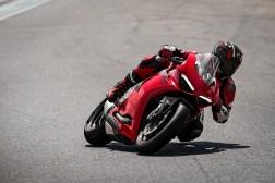 2020-Ducati-Panigale-V2-13