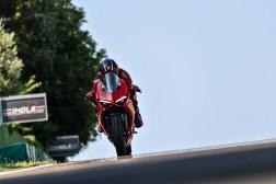 2020-Ducati-Panigale-V2-23