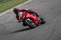 2020-Ducati-Panigale-V2-37