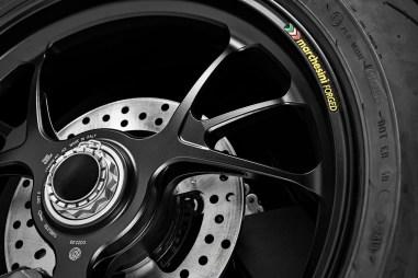 2020-Ducati-Streetfighter-V4-11