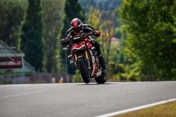 2020-Ducati-Streetfighter-V4-39