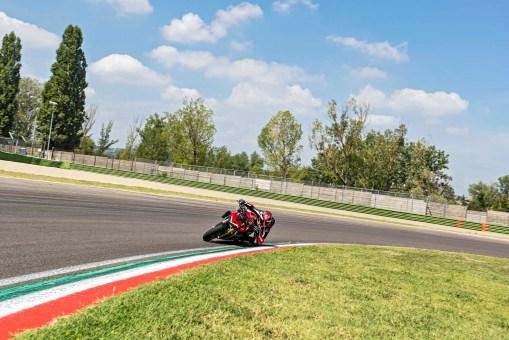 2020-Ducati-Streetfighter-V4-53