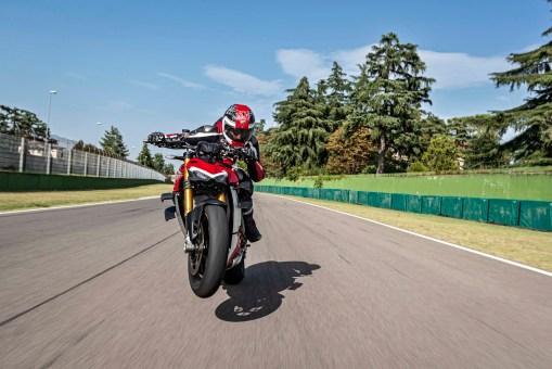 2020-Ducati-Streetfighter-V4-67