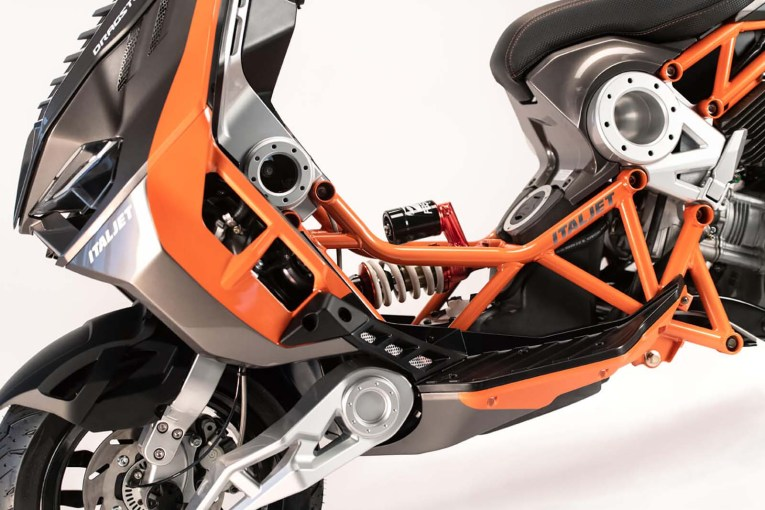 2019-Italjet-Dragster-scooter-25