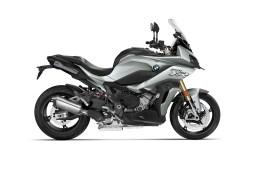 2020-BMW-S1000XR-12