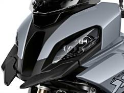 2020-BMW-S1000XR-41
