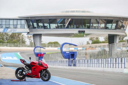 2020-Ducati-Panigale-V2-Jerez-launch-28