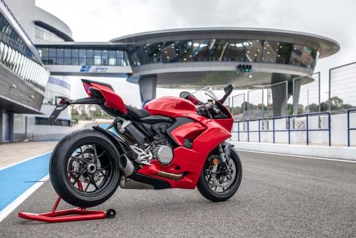 2020-Ducati-Panigale-V2-Jerez-launch-46