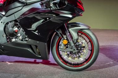 2020-Honda-CBR1000RR-R-11