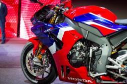 2020-Honda-CBR1000RR-R-16