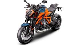 2020-KTM-1290-Super-Duke-R-10