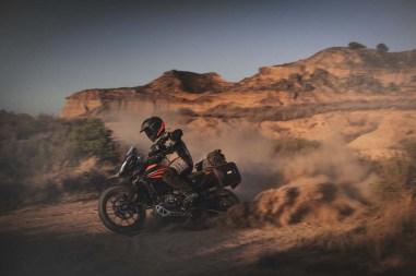 2020-KTM-390-Adventure-01