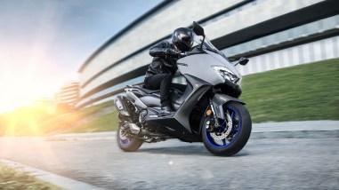 2020-Yamaha-TMAX-560-scooter-14