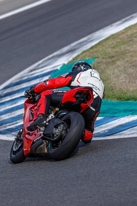 Ducati-Panigale-V2-Jerez-Jensen-Beeler-03