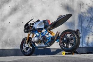 Scott-Kolb-BMW-race-bike-Gregor-Halenda-05