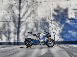 Scott-Kolb-BMW-race-bike-Gregor-Halenda-11