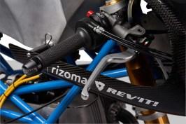 Scott-Kolb-BMW-race-bike-Gregor-Halenda-25