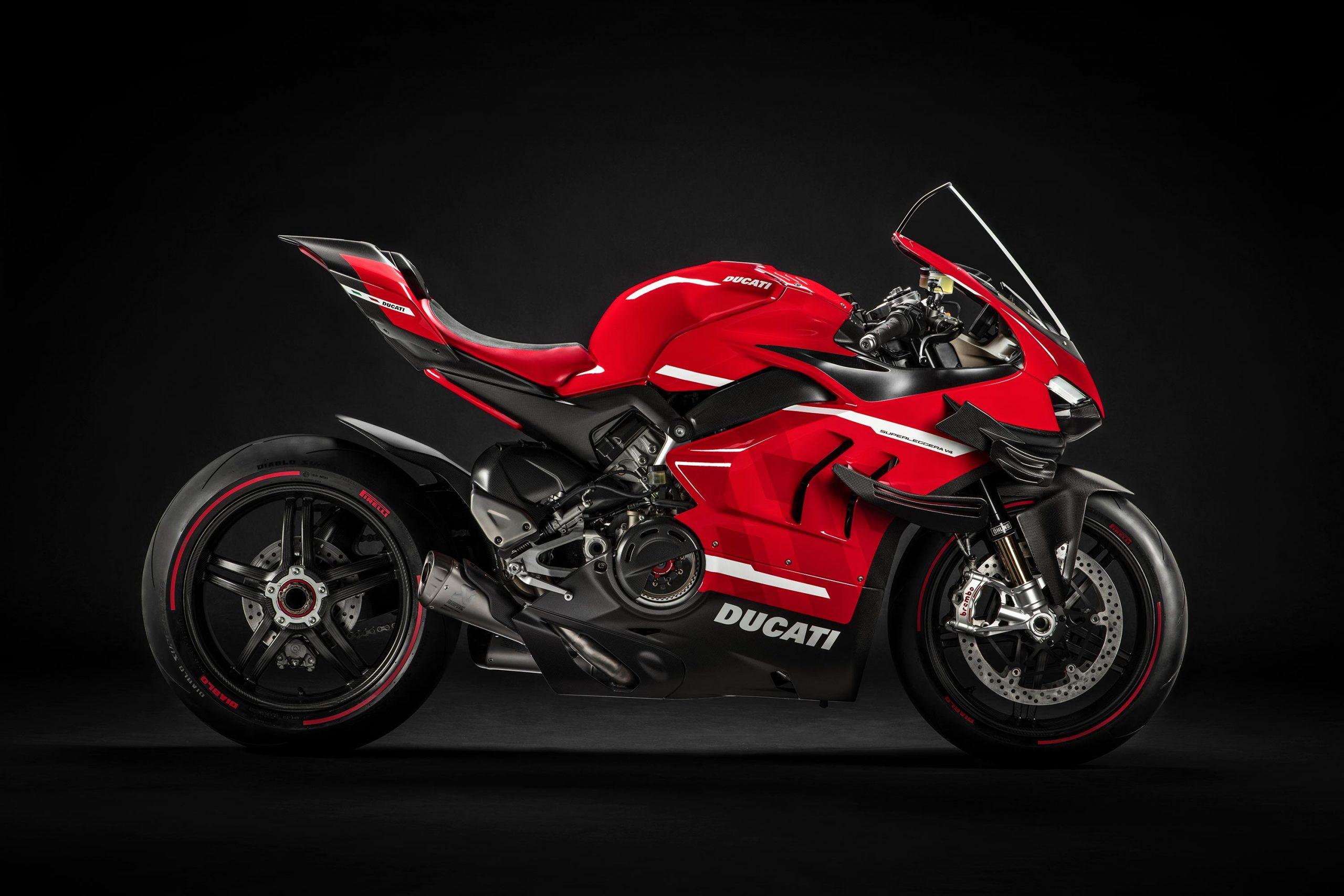 This Is The 230hp Carbon Fiber Everything Ducati Superleggera V4 Asphalt Rubber