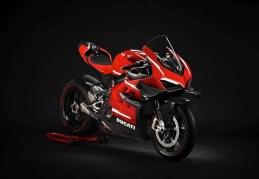 2020-Ducati-Superleggra-V4-leak-01