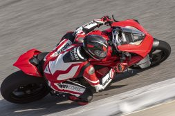 2020-Ducati-Panigale-V4-S-05