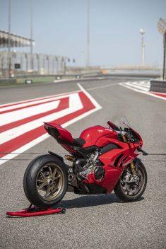 2020-Ducati-Panigale-V4-S-101