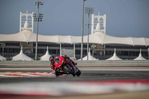 2020-Ducati-Panigale-V4-S-26