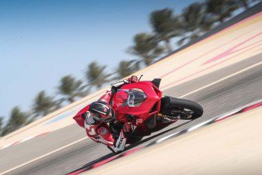 2020-Ducati-Panigale-V4-S-30