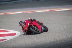 2020-Ducati-Panigale-V4-S-31