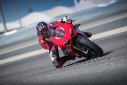 2020-Ducati-Panigale-V4-S-33